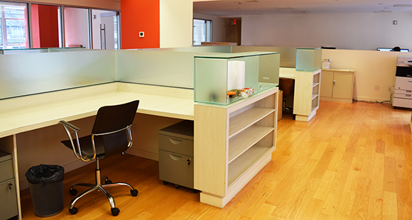 131 West 33rd Street workstations